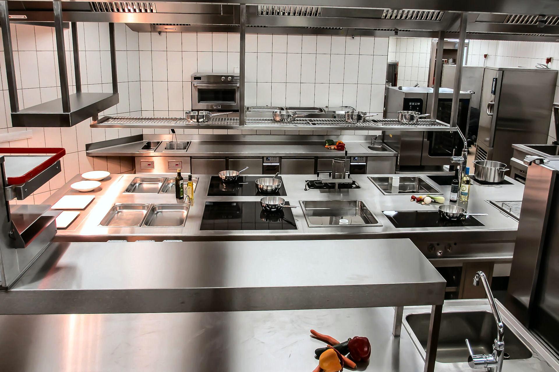商用厨房设备安装需要注意的事项有哪些呢?